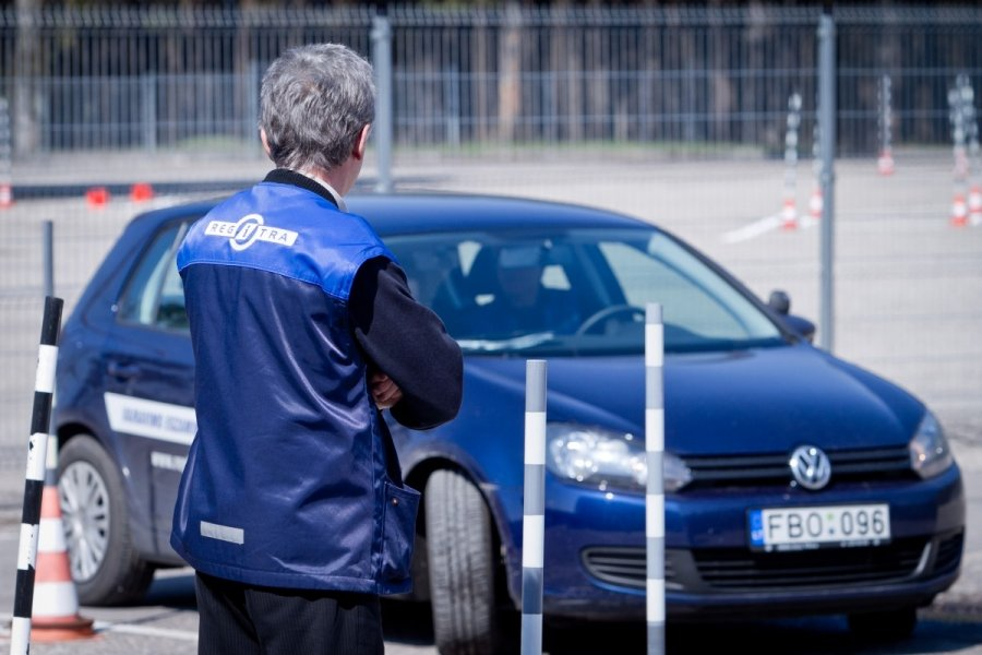 Profesionalūs vairavimo kursai: išmokti vairuoti gali visi!