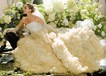 Ar vestuvinės suknelės visuomet privalo būti baltos spalvos?