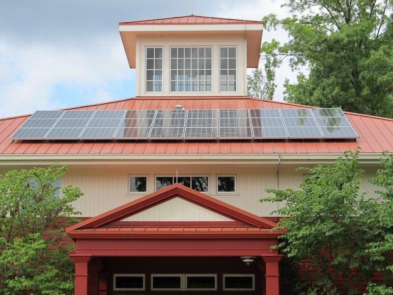 Dar daugiau galimybių saulės energetikoje: saulės elektrinės išsimokėtinai